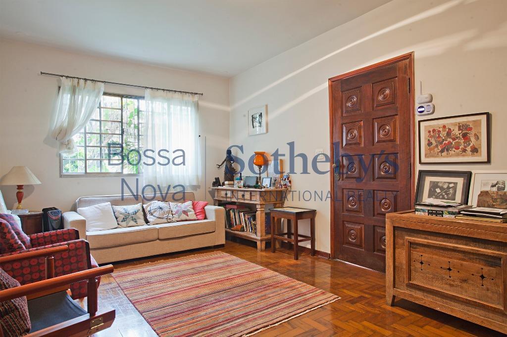 Casa agradável no Alto de Pinheiros.