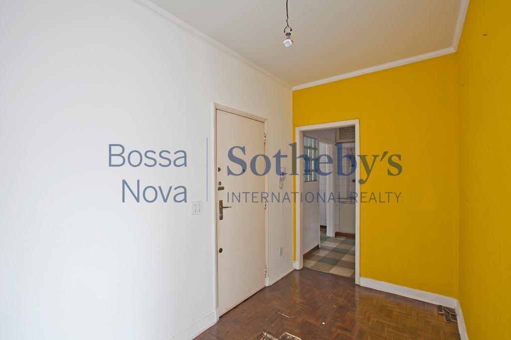 Apartamento em plena Paulista, em frente ao Shopping Cidade de S.Paulo