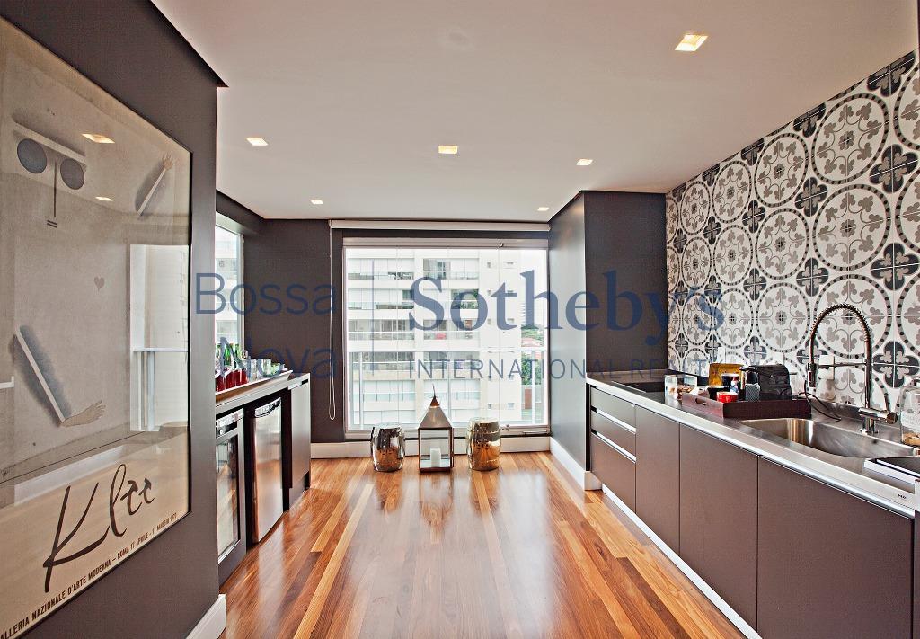 Apartamento com decoração Clean e todo equipado.