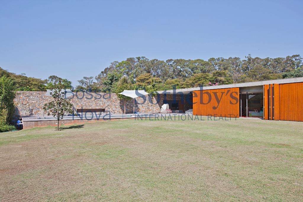 Maravilhosa casa de campo em localização privilegiada