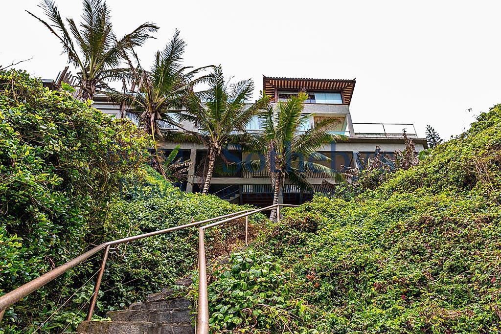 Casa única com rochedo privado e acesso ao mar - Ferradura, Armação dos Búzios