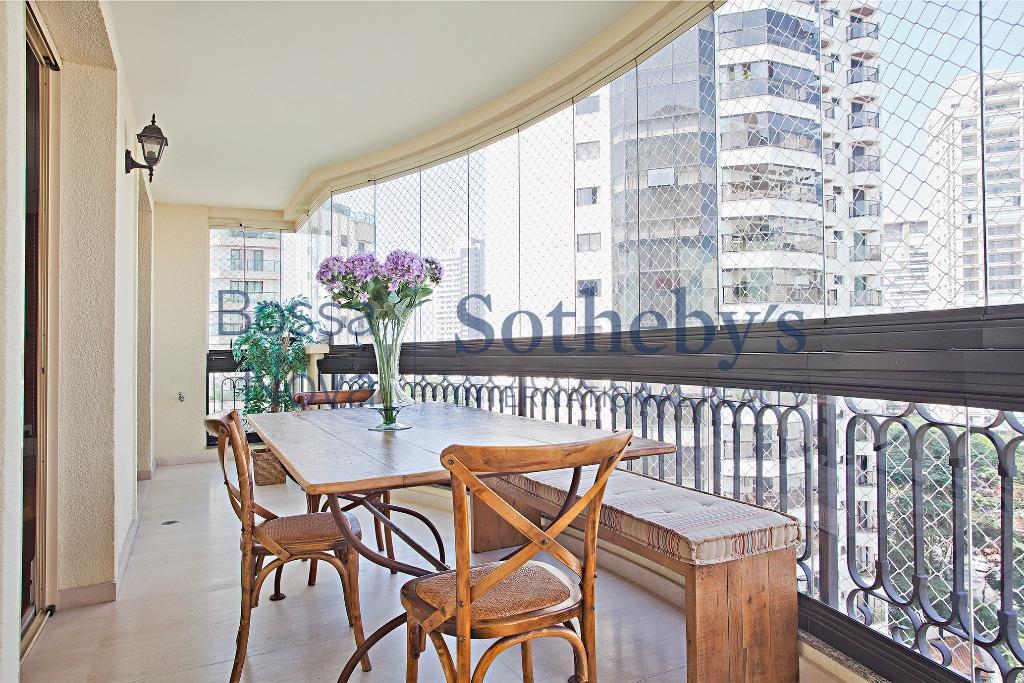 Lindo apartamento com vista aberta