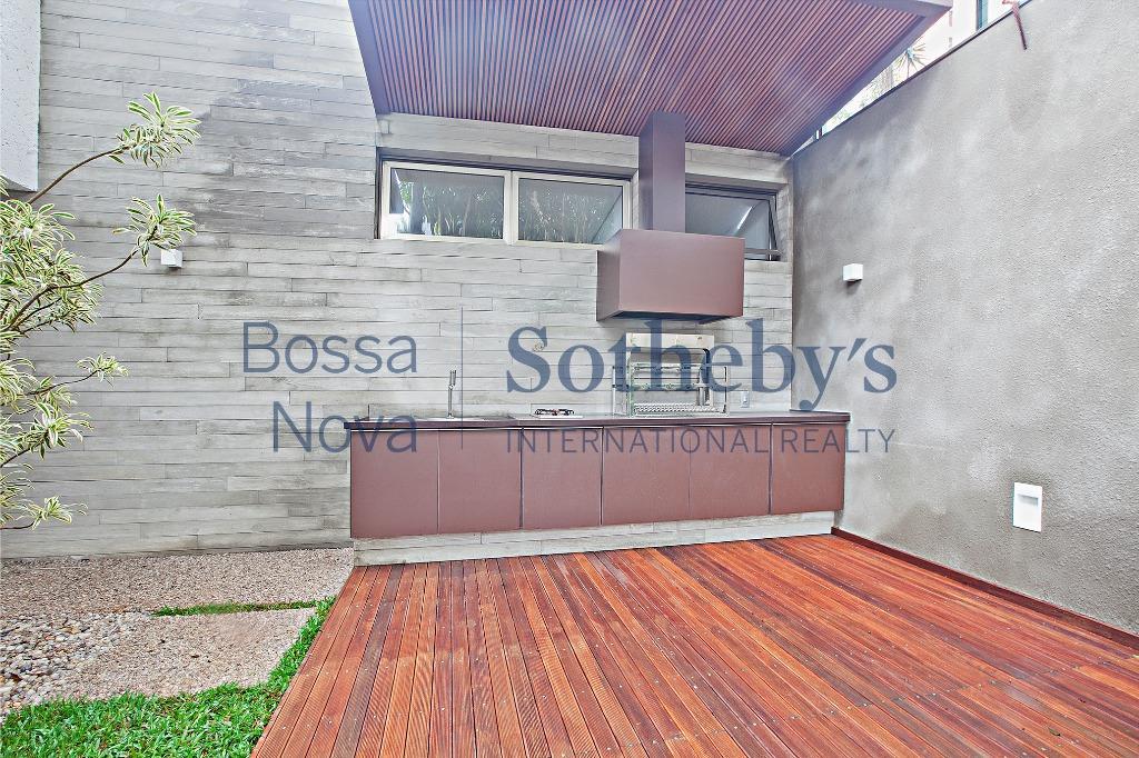 Casa nova em exclusiva localização