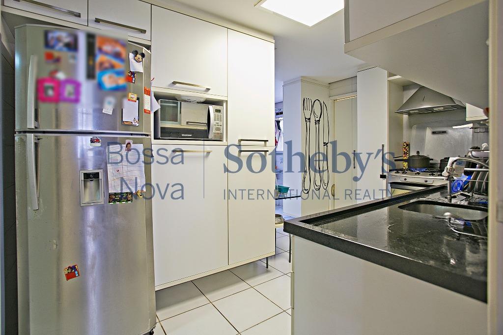 Brooklin, próximo a Vila Olimpia, ótimo apartamento com varanda gourmet.