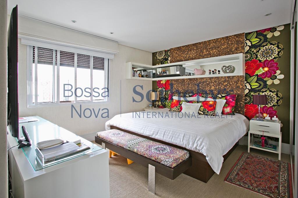 Apartamento reformado por Arquiteta próximo a Avenida Paulista