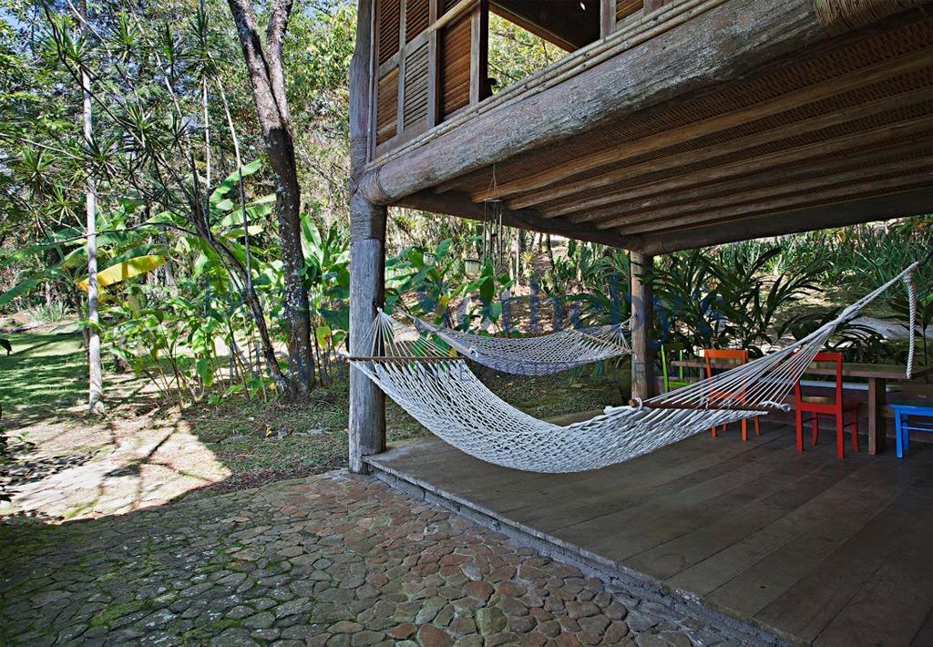Ilha residencial à venda.