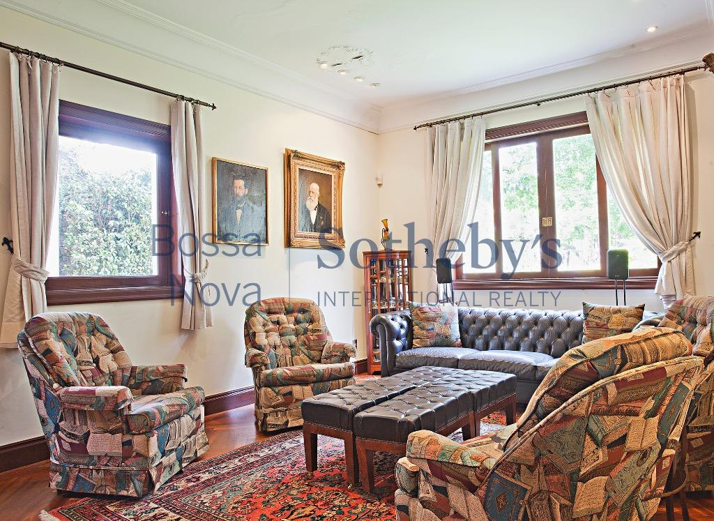 Elegância e conforto em casa no Jardim Europa