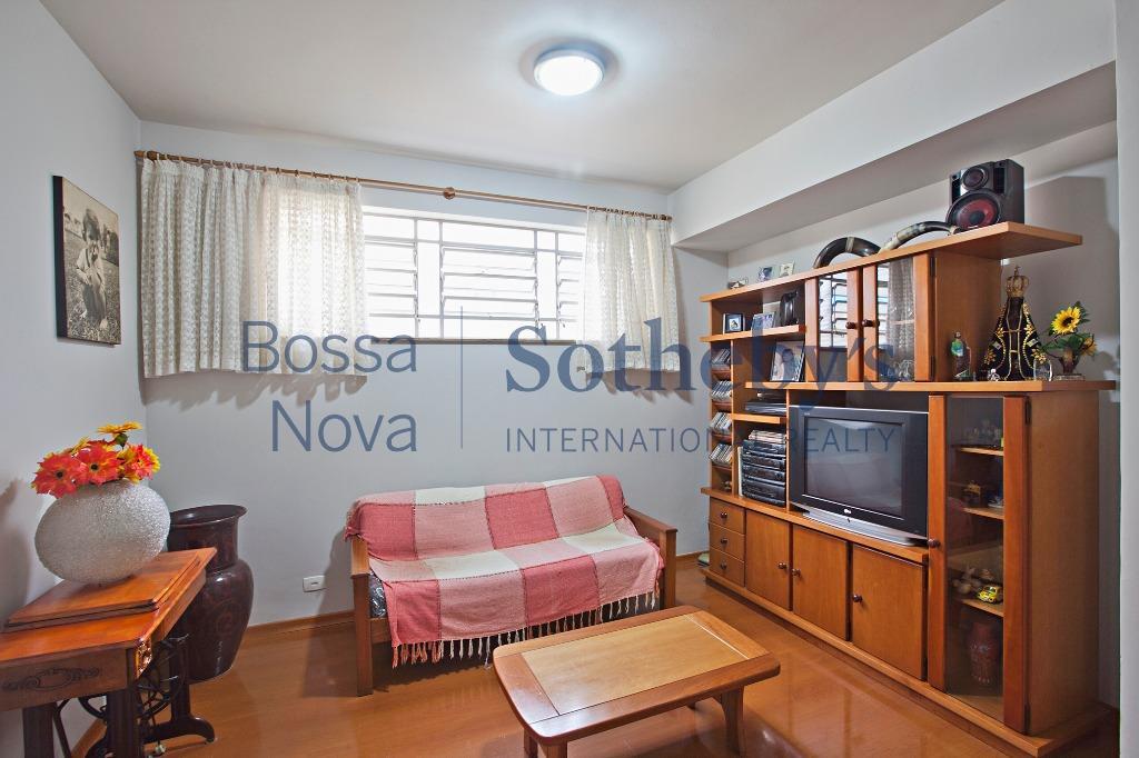 Casa térrea em ótima rua no Planalto Paulista