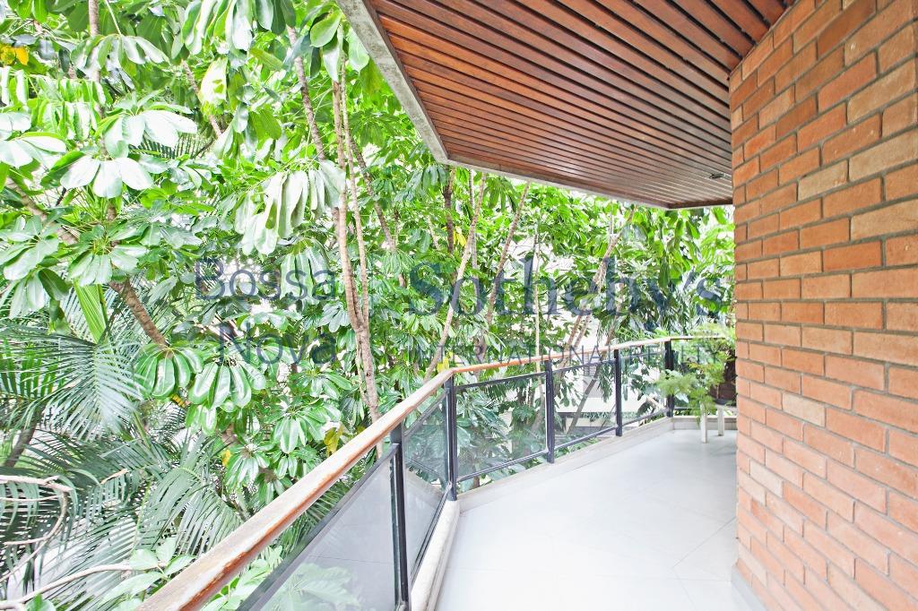 Para se sentir em uma casa rodeado de verde !