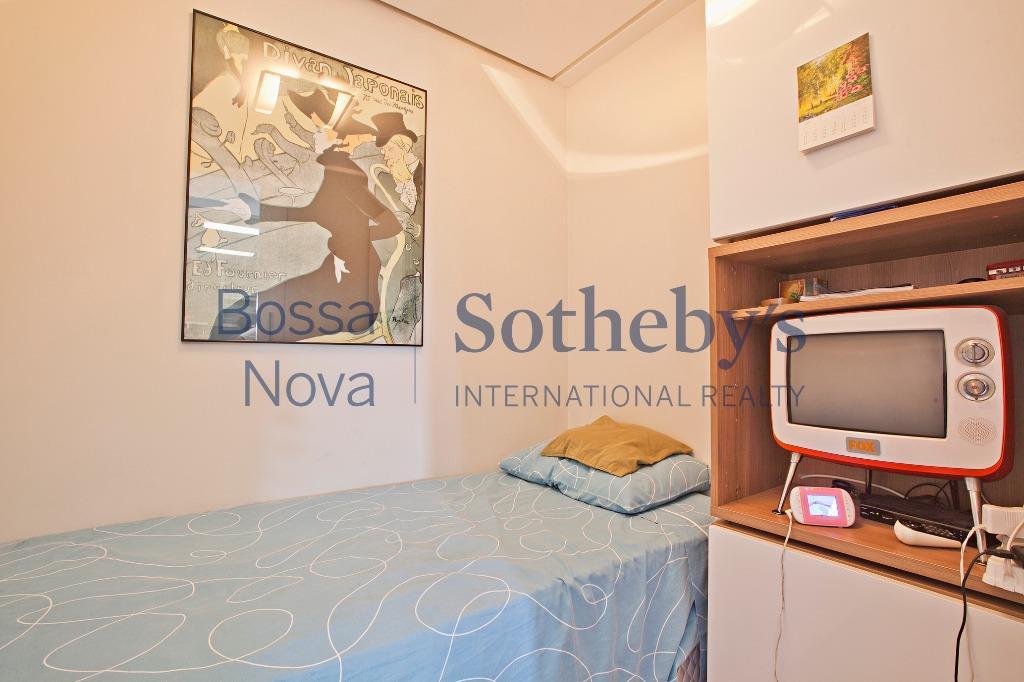 Apartamento moderno, com linda vista da Hípica Paulista.