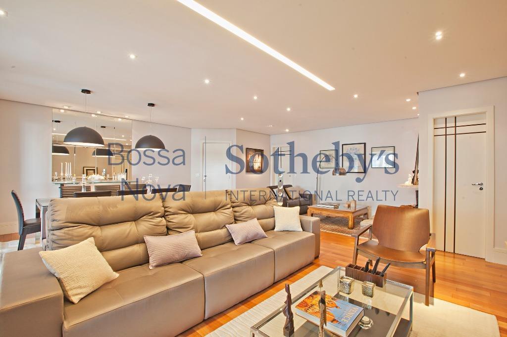 Apartamento impecável ricamente decorado!