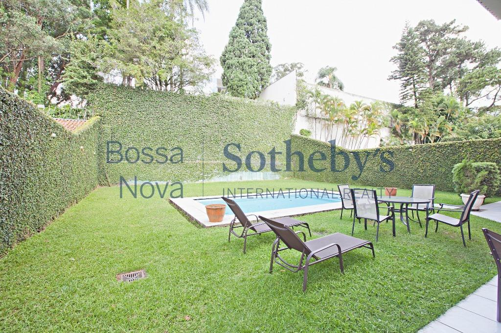 Residência exclusiva com projeto Bi