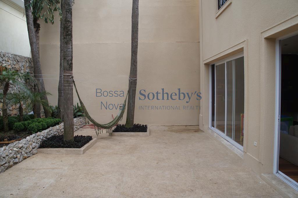 .Casa para locação próxima ao Clube Pinheiros;
