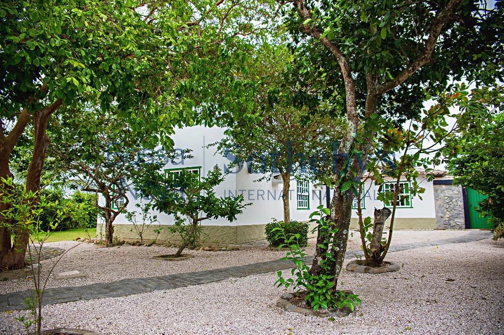 Construção clássica regional na beira de canal em localização nobre,Cabo Frio - Rio de Janeiro
