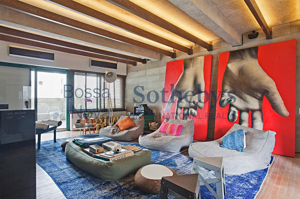 Loft por Isay Weinfeld + Marcello Maksoud na Vila Nova Conceição