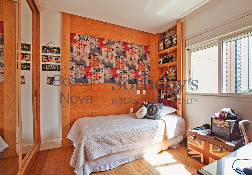 Apartamento moderno, living com pé direito duplo