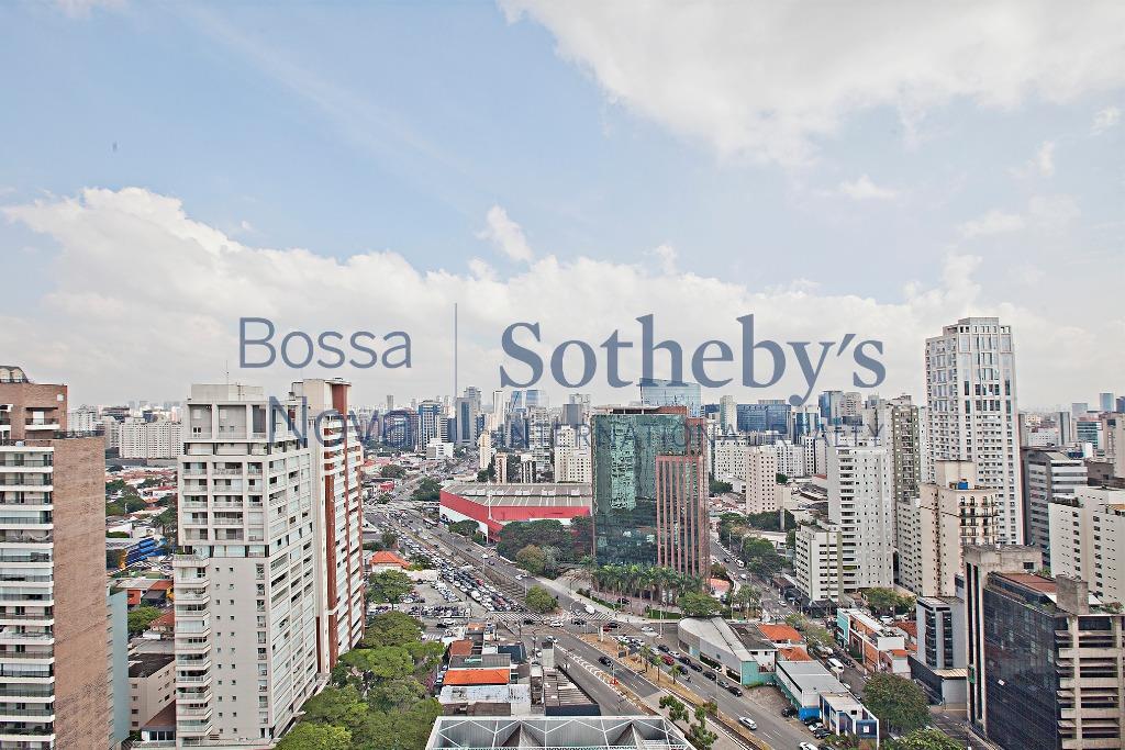 Linda cobertura com vista para o Ibirapuera