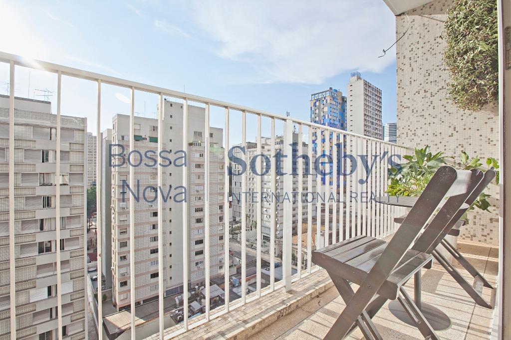 Apartamento impecável na melhor localização do Jardim América.
