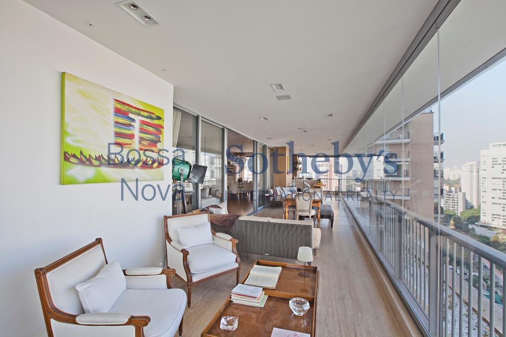 Apartamento bem decorado, ao lado do parque do Ibirapuera