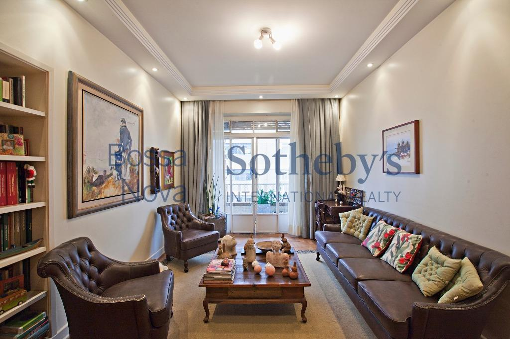 Apartamento amplo e charmoso em andar alto