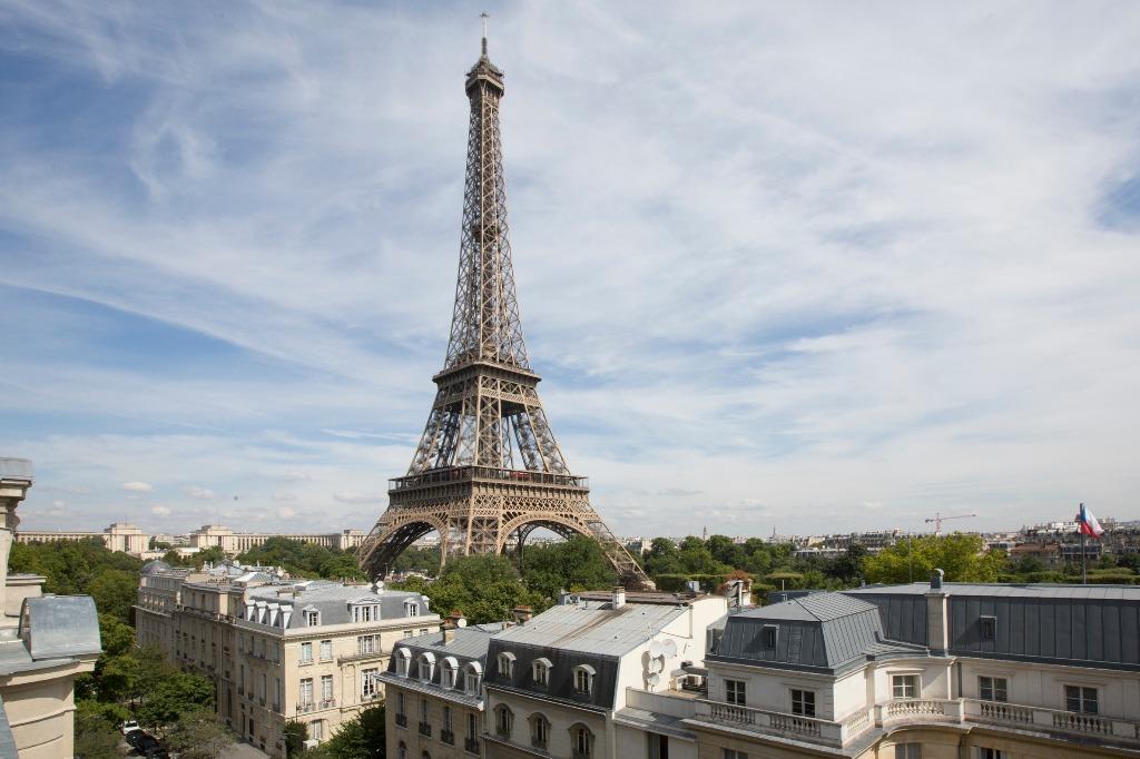 Apartamento com vista para a Torre Eiffel