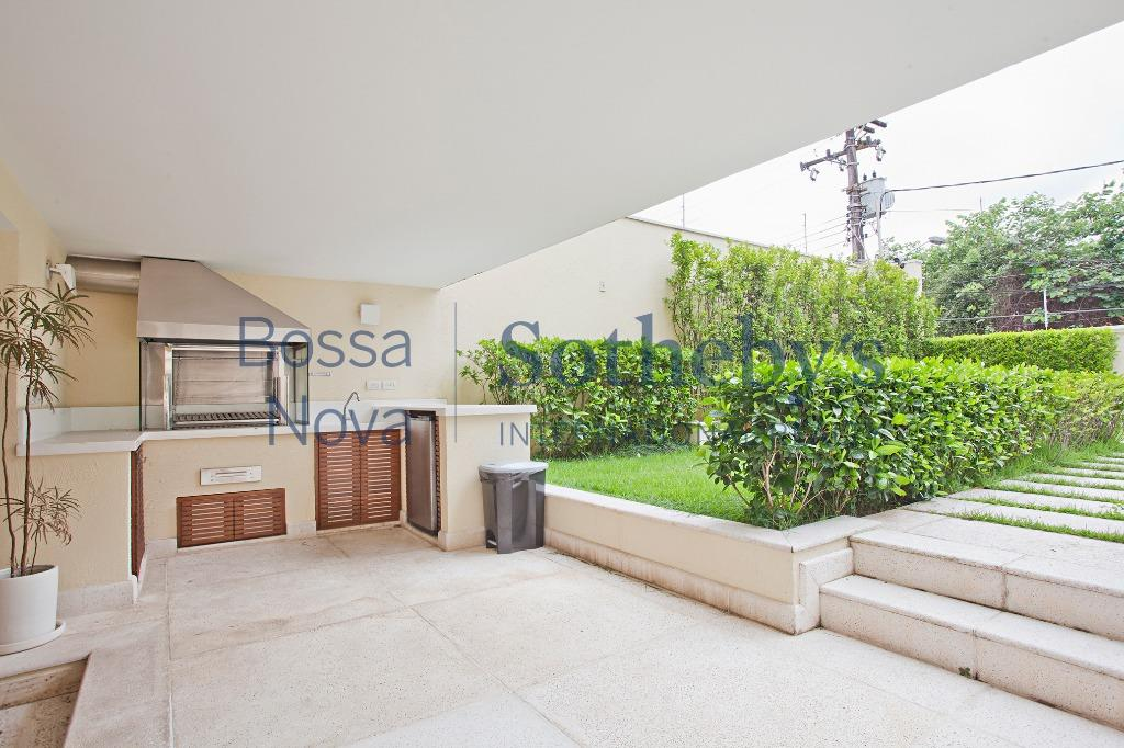 Casa aconchegante e com uma ótima área de lazer para a família e amigos.