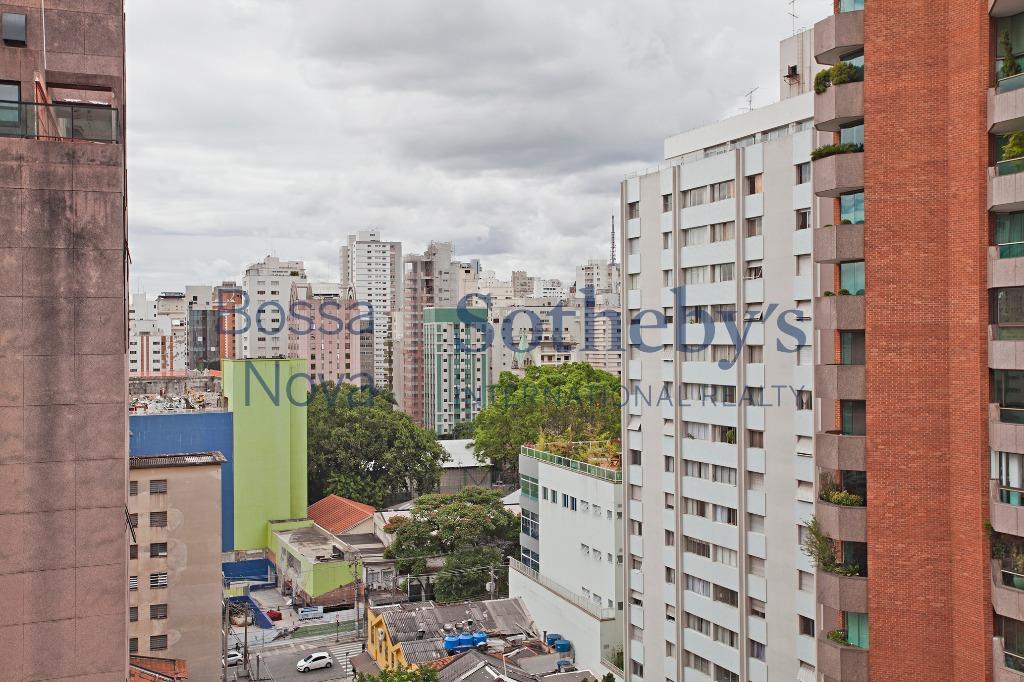 Apartamento na parte plana do Jardim Paulista