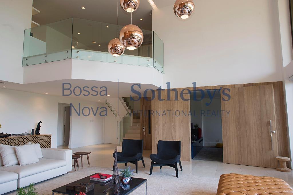 Fantastico duplex no edificio Bernini - Condominio Península.