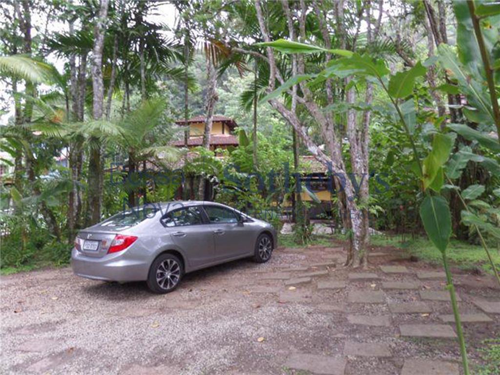 Casa de 4 dormitórios em Camburi, São Sebastião - SP