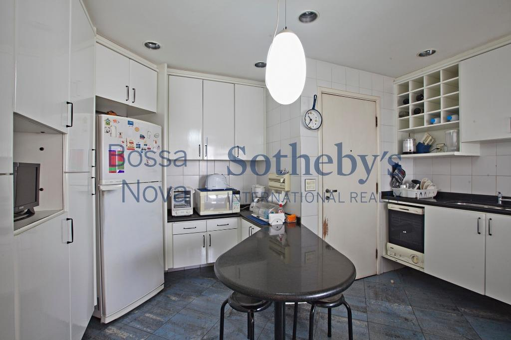 Apartamento duplex em excelente localização.