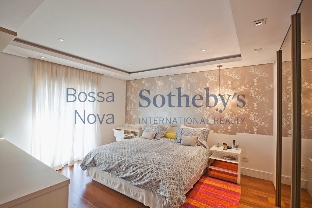 Locação em condomínio cobiçado, a 500m do Ibirapuera