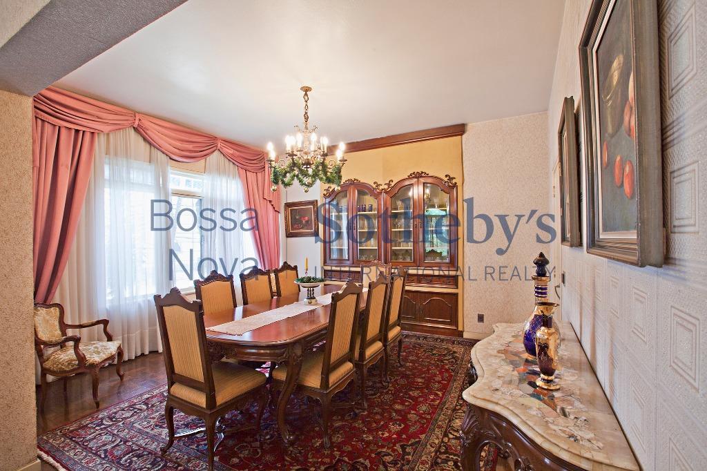 Excelente casa com terreno com lazer completo, muito bem localizada!