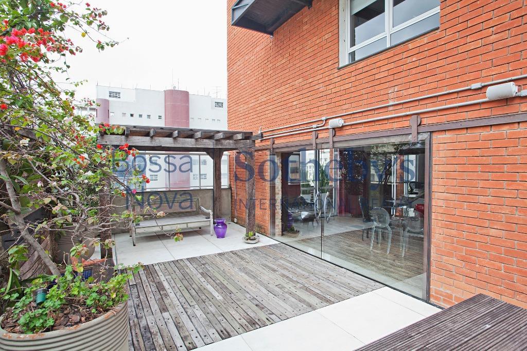Cobertura penthouse com projeto diferenciado.