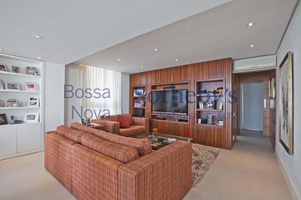 Apartamento na Praça Germania, perto dos Clubes e Shopping Iguatemi