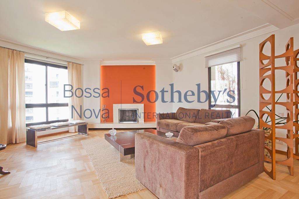 Lindo apartamento totalmente mobiliado.