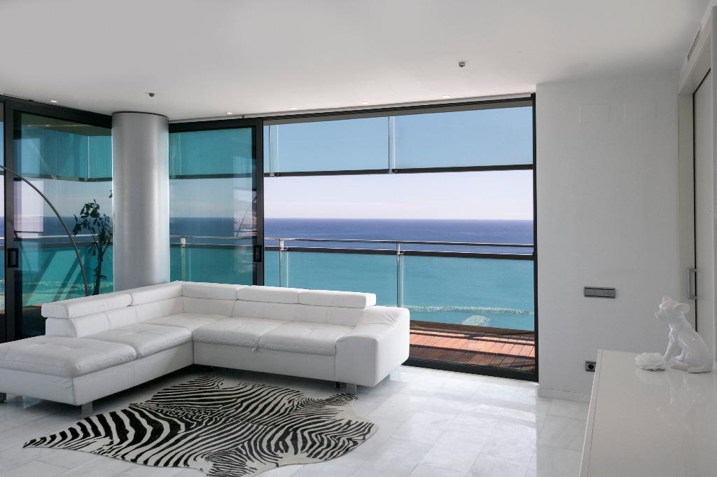 Apartamento  com vista deslumbrante para o mar e Barcelona