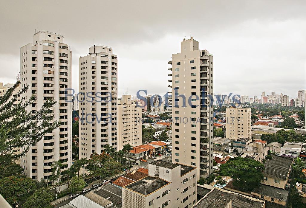 Apartamento com linda vista para o bairro.