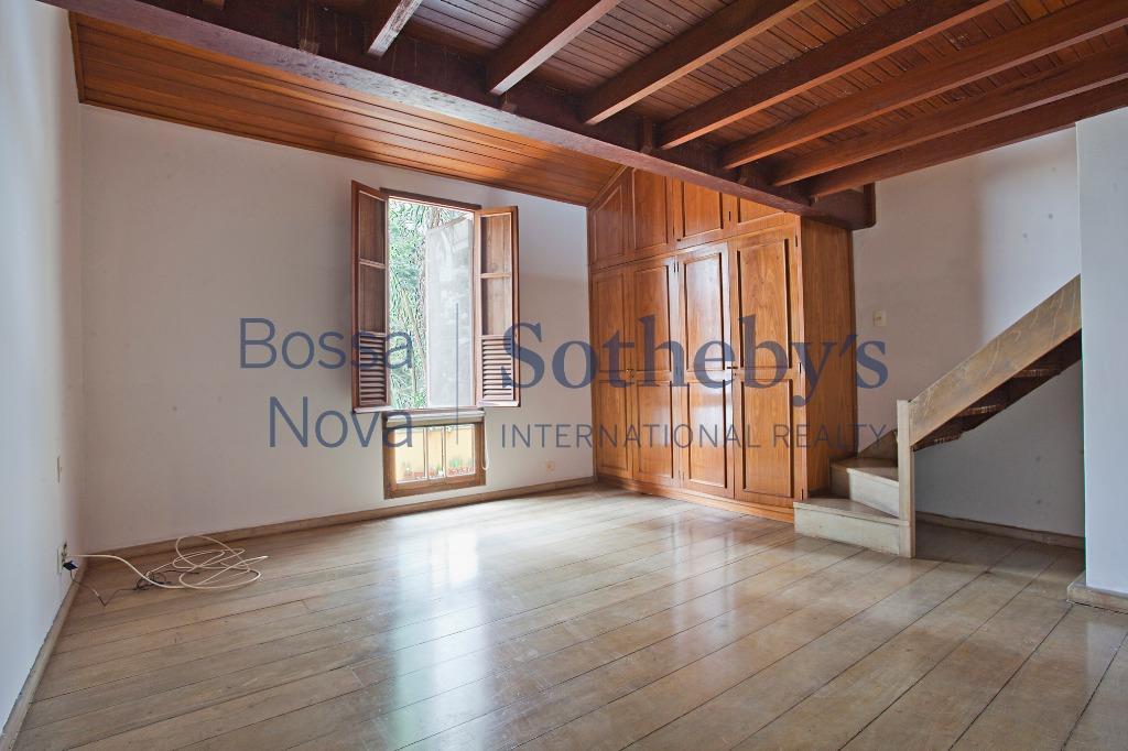 Casa de Vila residencial no coração do Jardim América ! Reformada para Venda ou Locação !!