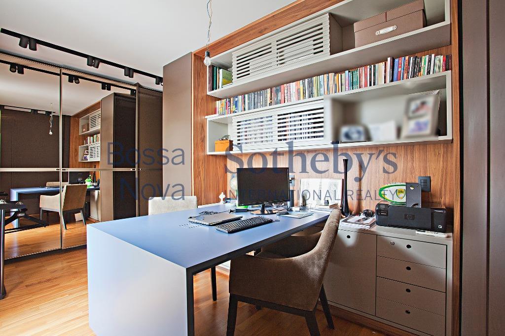 Cobertura mobiliada com projeto sofisticado
