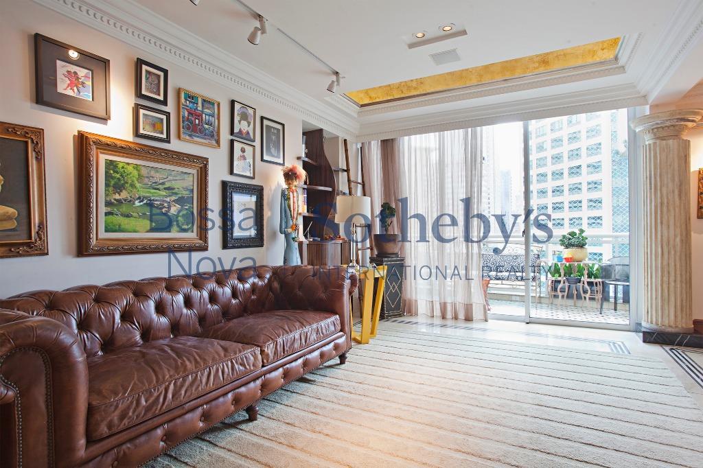Apartamento duplex  mobiliado e decorado !!!  Só entrar ! Incrível.
