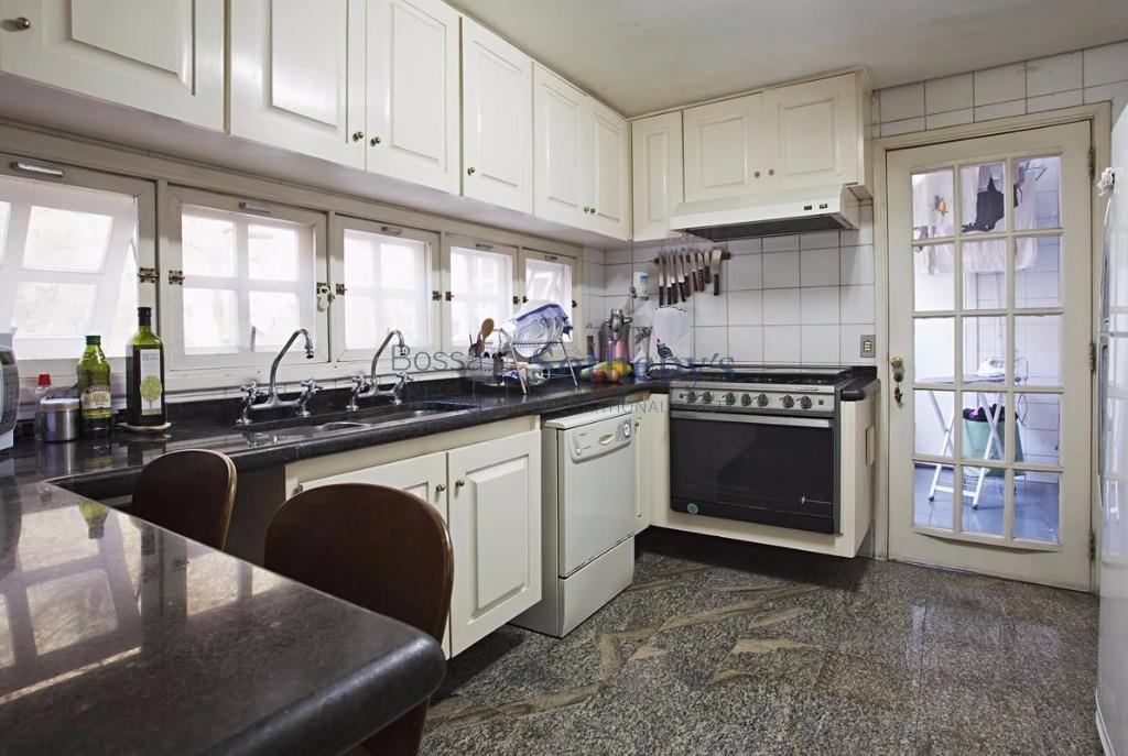 Casa de 3 dormitórios à venda em Ibirapuera, São Paulo - SP
