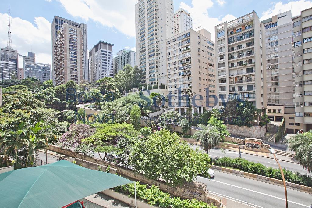 Apartamento com ambientes amplos