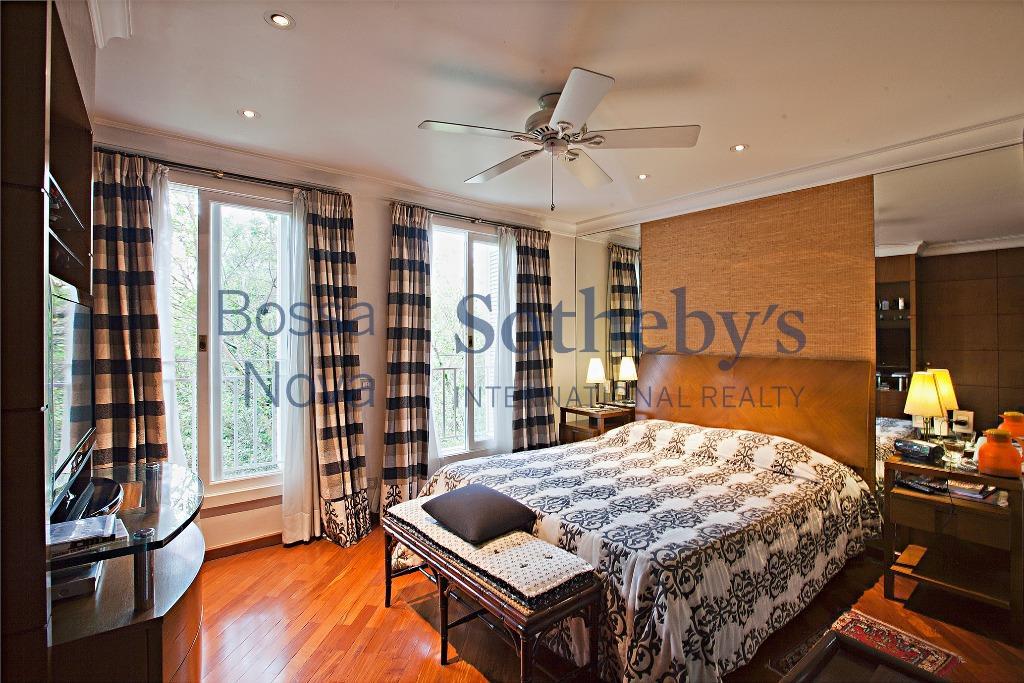 Casa em lindo condomínio