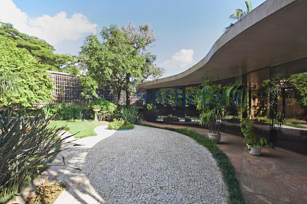 Casa projetada por Oscar Niemeyer