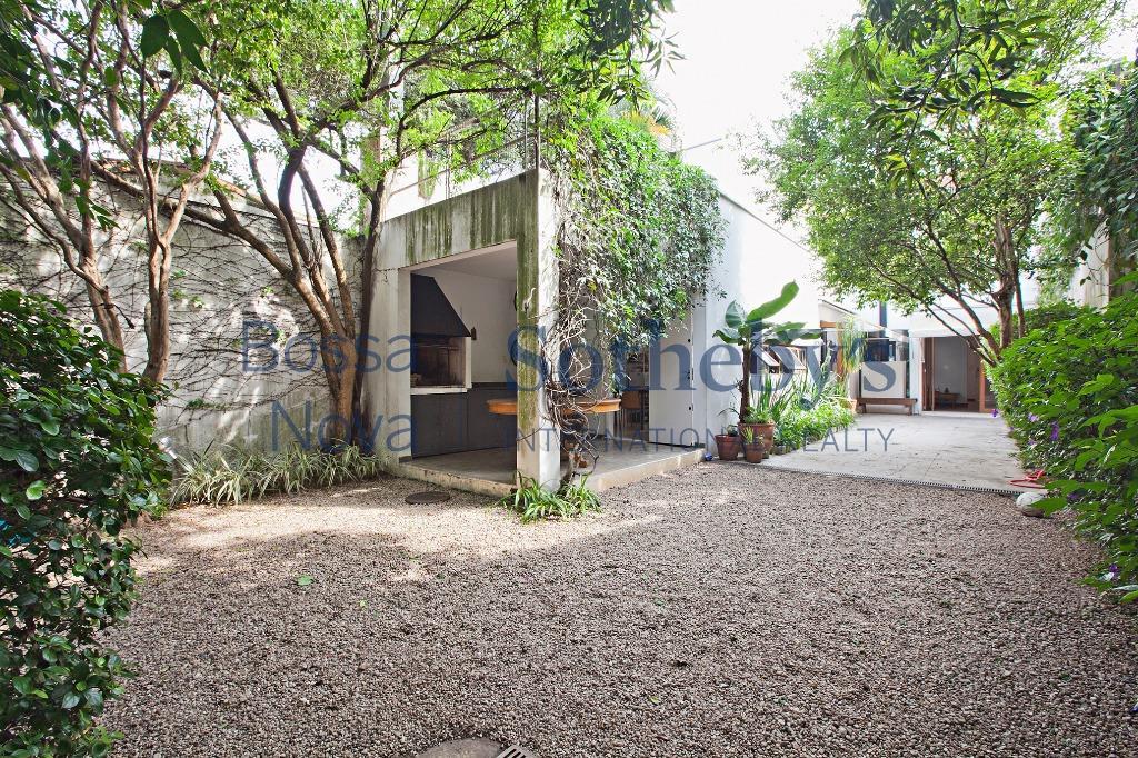 Casa ensolarada entre Perdizes e Pacaembú