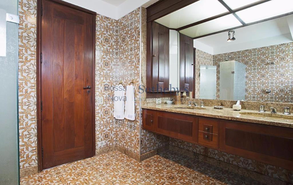 Casa de 5 dormitórios em Alto De Pinheiros, São Paulo - SP