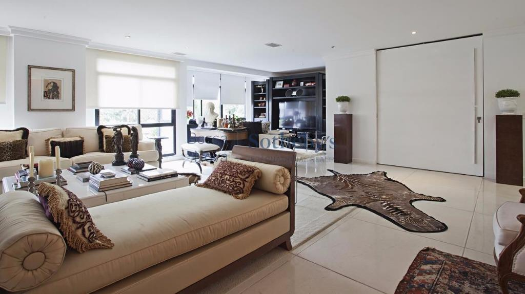 Apartamento de 4 dormitórios em Jardim Guedala, São Paulo - SP