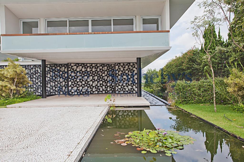Casa diferenciada no ponto mais alto e nobre da Cidade Jardim