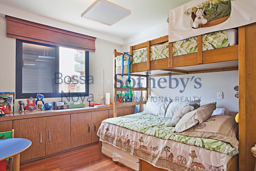 Apartamento extraordinário com cômodos amplos, pronto para mudar!