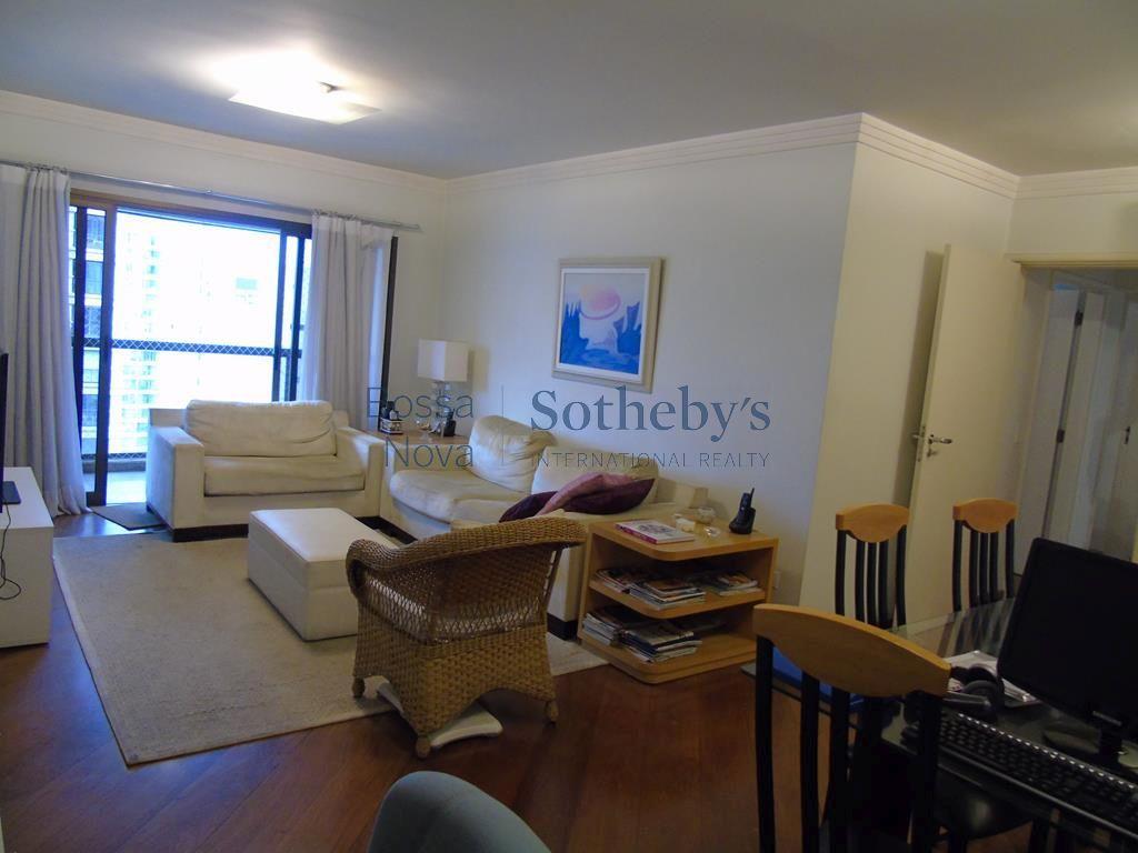 Apartamento com terraço, andar alto, com lazer completo. Fora da rota.